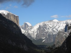Glacial U-shaped valley (Yosemite)