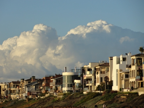 Cumulonimbus  in distance, Manhattan Beach 12-13-12