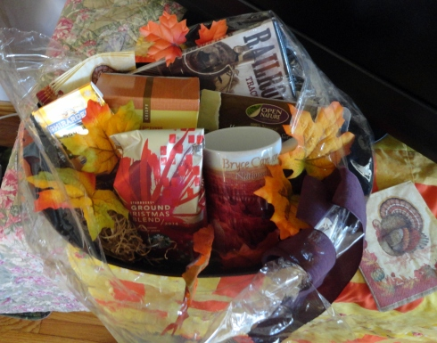 Thanksgiving basket, MP Renfrew, 11-14