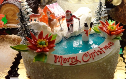 Gelson's Christmas cake, 12-21-14