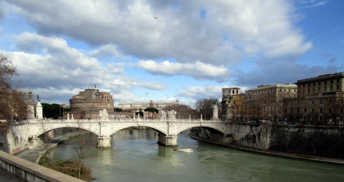 Rome sky 7 Tiber River, 1-22-15 MP Renfrew