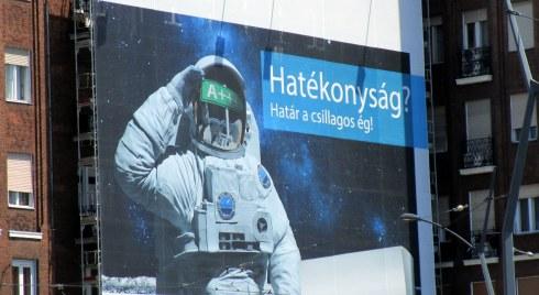 Astronaut, Budapest ad, MP Renfrew 6-16