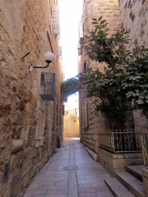 Empty Old City Jerusalem, Fri. 4 p.m. 6-23-16 MP Renfrew 10