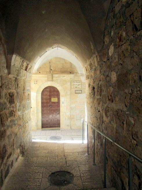 Empty Old City Jerusalem, Fri. 4 p.m. 6-23-16 MP Renfrew 11