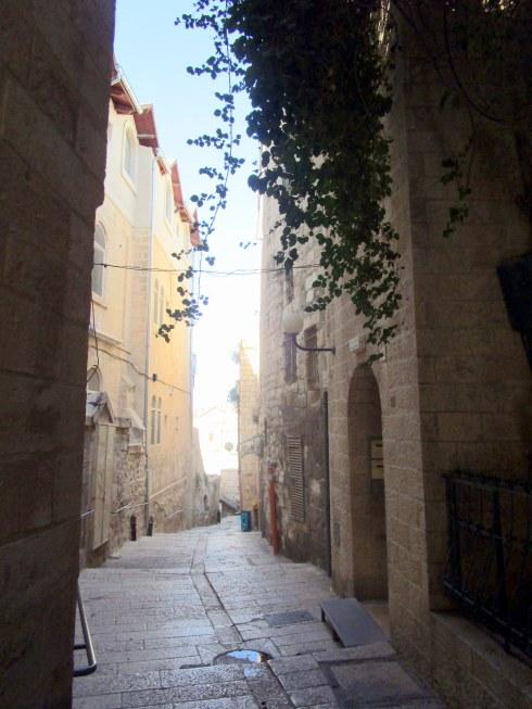 Empty Old City Jerusalem, Fri. 4 p.m. 6-23-16 MP Renfrew 12