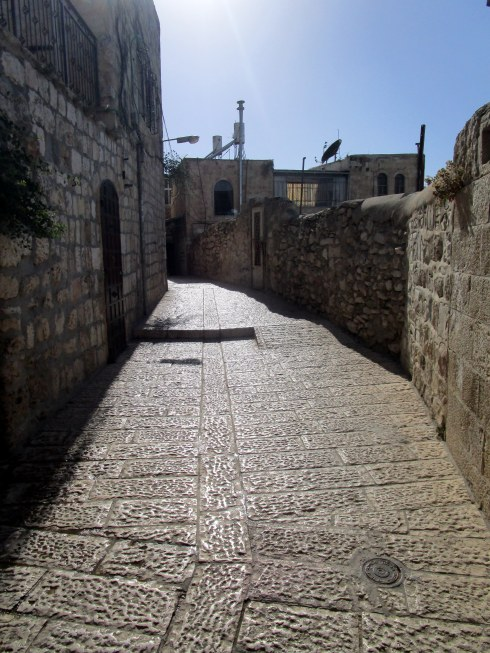 Empty Old City Jerusalem, Fri. 4 p.m. 6-23-16 MP Renfrew 14