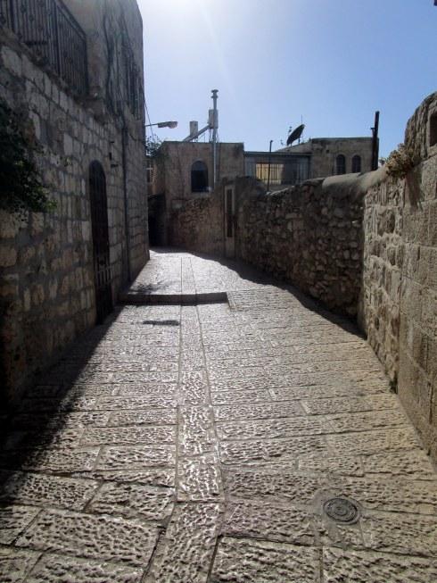 Empty Old City Jerusalem, Fri. 4 p.m. 6-23-16 MP Renfrew 14