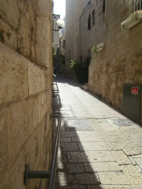 Empty Old City Jerusalem, Fri. 4 p.m. 6-23-16 MP Renfrew 7