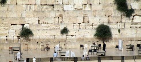 Empty Western Wall men's side, Fri. 4 p.m. 6-23-16 MP Renfrew