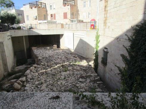 Old tunnel, Old City Jerusalem, Fri. 4 p.m. 6-23-16 MP Renfrew 4