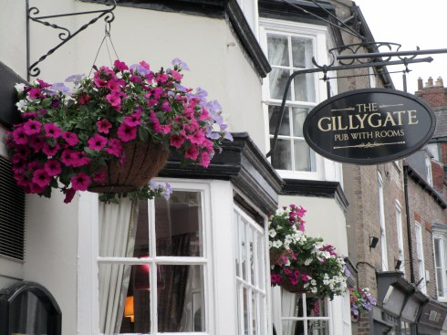 Gillygate Pub York, MP Renfrew photo
