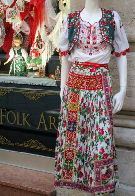 Hungarian dress embroidery, Budapest MP Renfrew 6-16