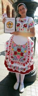 Hungarian ethnic dress, Budapest Central Market, MP Renfrew 6-16