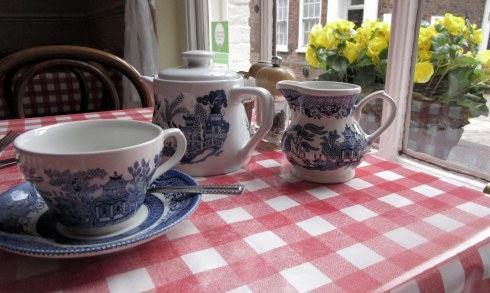 Tea in York, MP Renfrew, 6-16