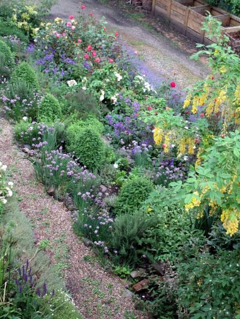 York Minster gardens 2, MP Renfrew 6-16
