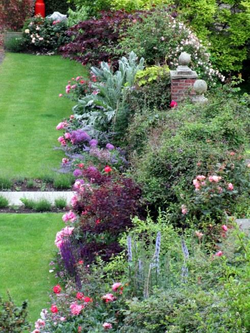 York Minster gardens, MP Renfrew 6-16