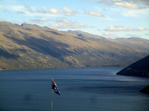 l-wakatipu-nz-flag-mp-renfrew