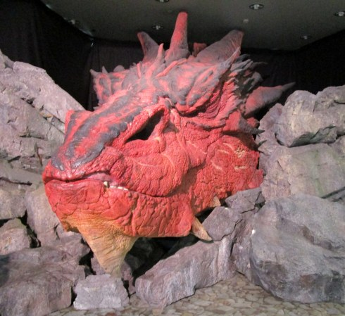 smaug-well-airport-mp-renfrew