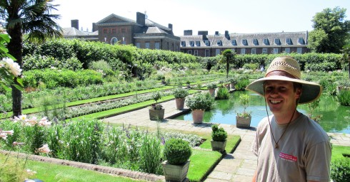 Gardener at Kensington 2 (2)