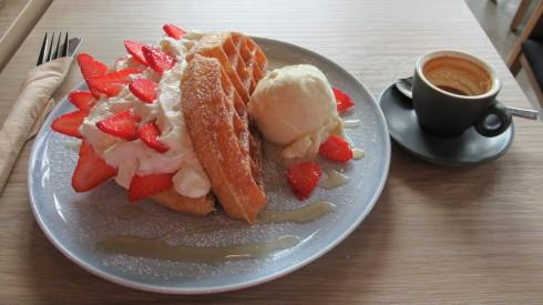 Singapore waffle with espresso